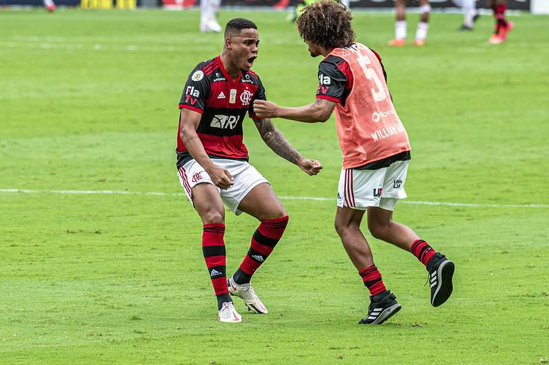 Arão machucado Flamengo e Inter
