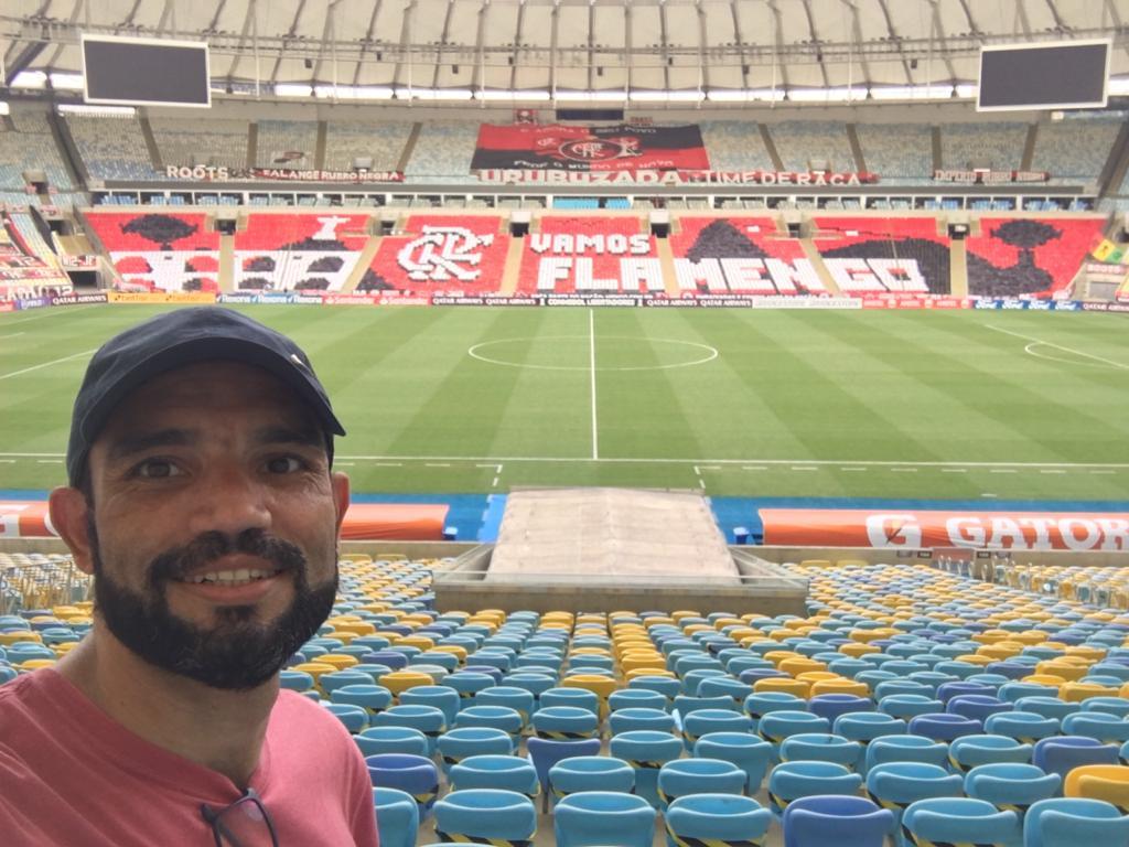 André Fumaça responsável pelos mosaicos do Flamengo no Maracanã