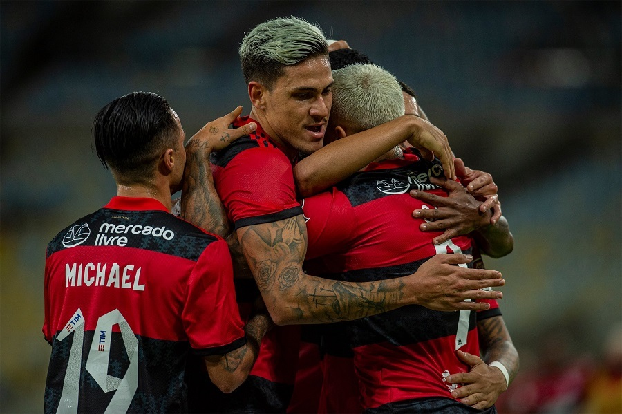 Flamengo fecha patrocinio com Havan para as mangas da camisa