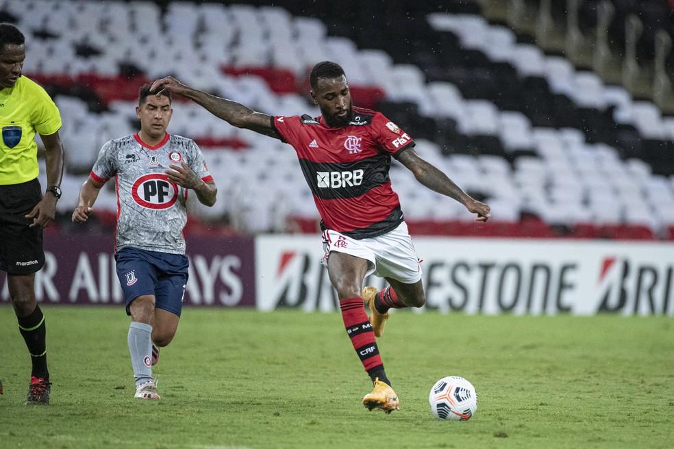 Gerson pode ficar fora de jogo do Flamengo pela Libertadores