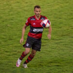 Renê pode desfalcar Flamengo pelo Carioca